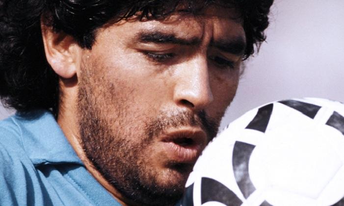 Maradona compie 60 anni, l'omaggio di Antonio Luise da Posillipo