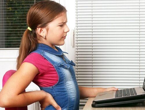 """""""Didattica a distanza"""" e smartworking: otto consigli per prevenire il mal di schiena"""