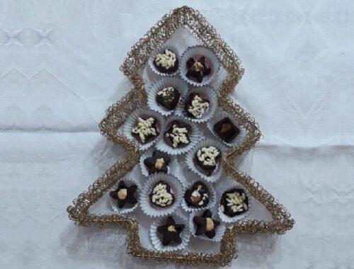 Cioccolatini fondente, nocciole, mandorle e riso soffiato