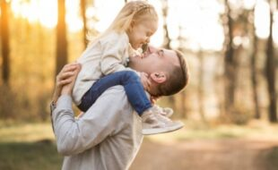 Oggi è la festa del Papà. Com'è nata la celebrazione dell'amore paterno